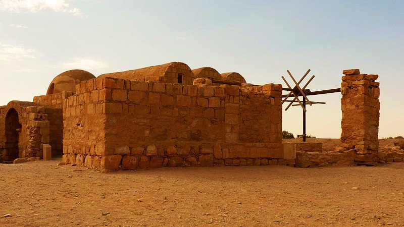 Desert-castle-Qasr-Amra-jordan.jpg
