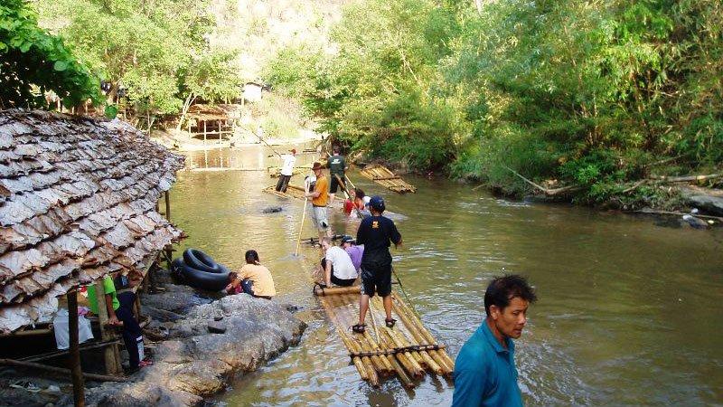 bamboo-rafting-chiang-mai-thailand.jpg