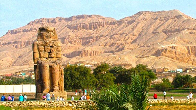 colossus-memnon-luxor-egypt.jpg