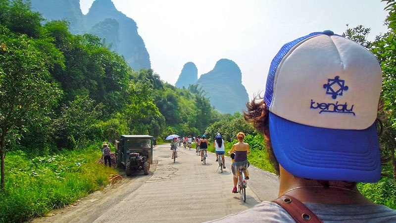 cycling-yangshuo-china.jpg