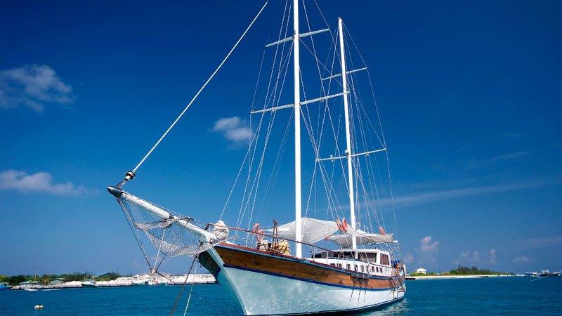 felicity-sailing-boat-maldives.jpg