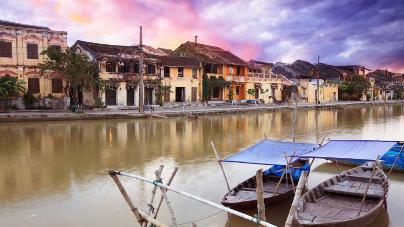 fisherman-boats-hue-vietnam.jpg