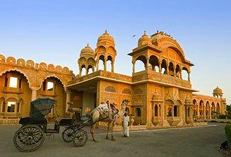 fort-rajwada-jaisalmer.jpg