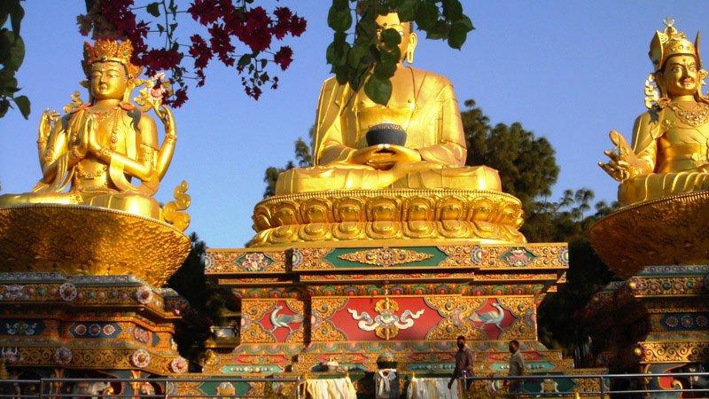 golden-buddha-pokhara-nepal.jpg