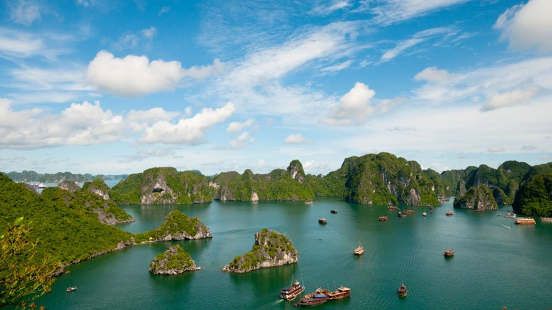 halong-bay-landscape-vietnam.jpg