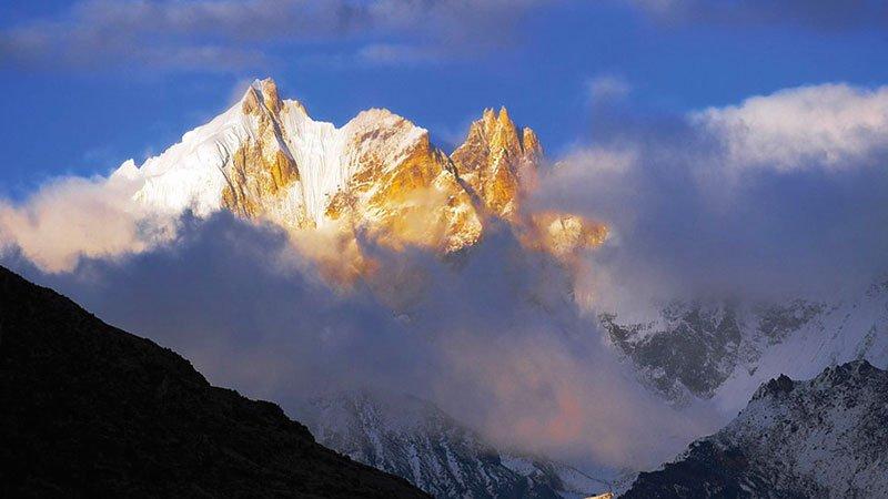 himalayas-bhutan.jpg