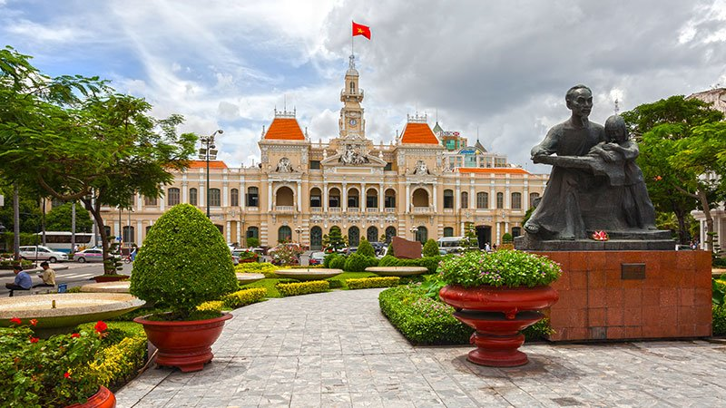 ho-chi-minh-city-hall-vietnam.jpg