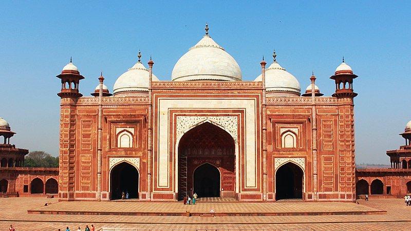 kau-ban-mosque-taj-mahal-complex-agra-india.jpg