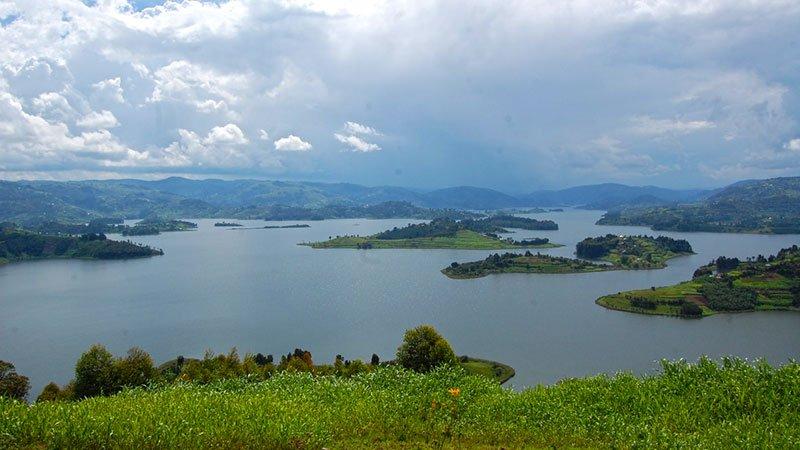 lake-bunyoni-uganda.jpg