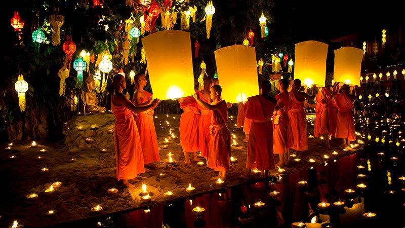 loy-krathong-chiang-mai-thailand.jpg