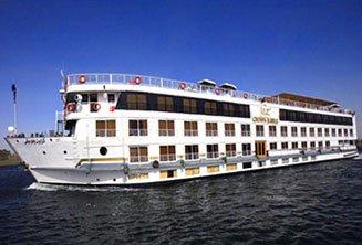 nile-cruiseboat-luxor.jpg