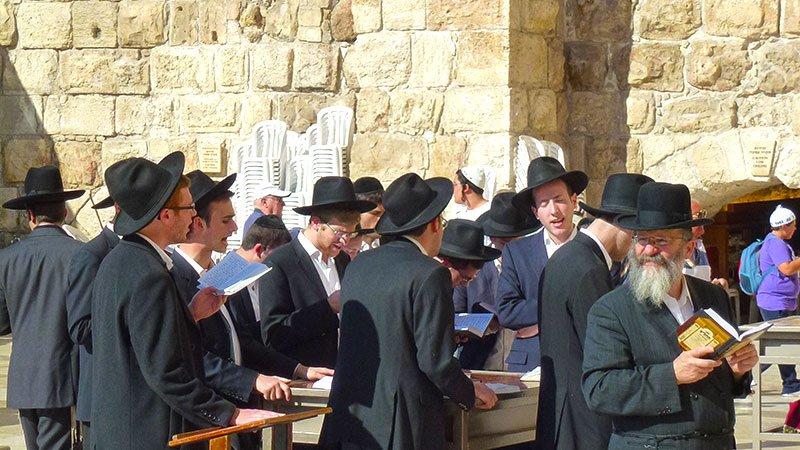 prayer-western-wall-jerusalem-israel.jpg