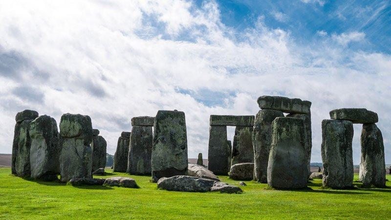 stonehenge-prehistoric-monument.jpg