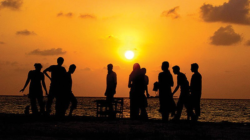 sunset-beach-party-maldives.jpg
