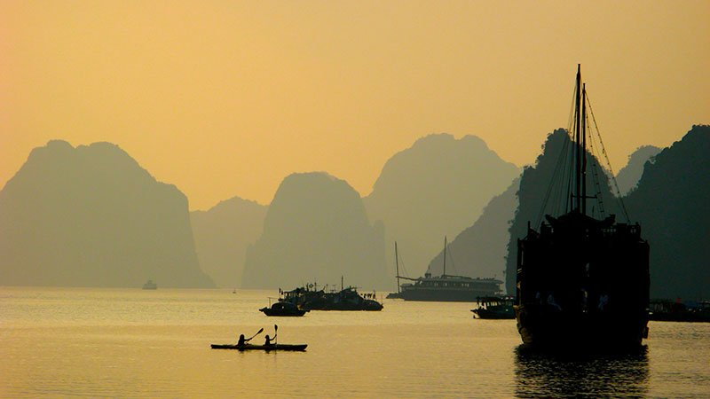 sunset-halong-bay.jpg