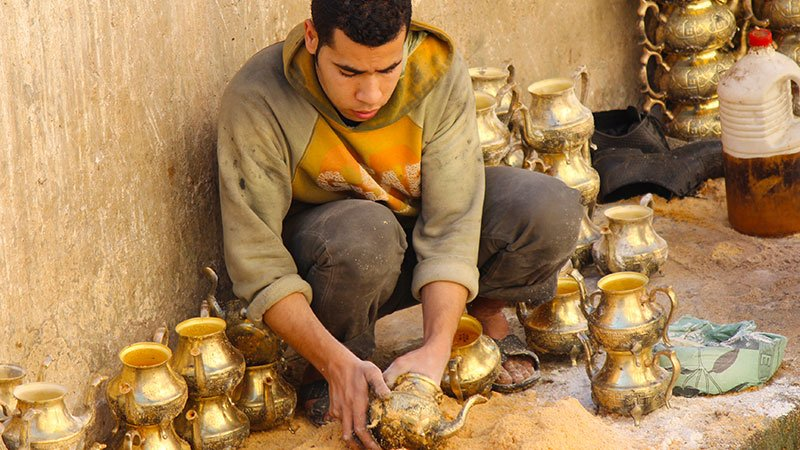tea-pots-morocco.jpg