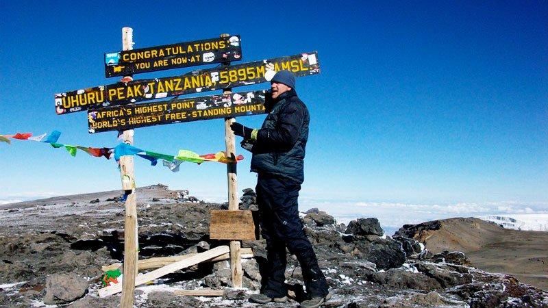 trekker-kilimanjaro-tanzania.jpg