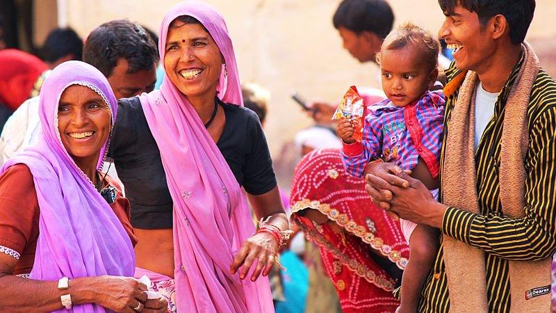 women-in-colourful-saris-india.jpg