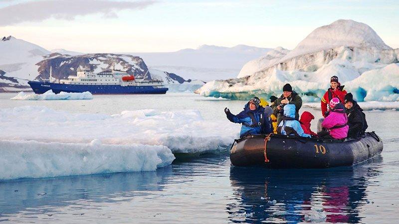 zodiac-cruising-antarctic.jpg
